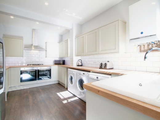 32 Borrowdale Road 7 Bedroom Liverpool Student House Kitchen 1