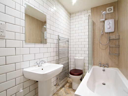 1 Booth Avenue 7 Bedroom Manchester Student House Bathroom 2
