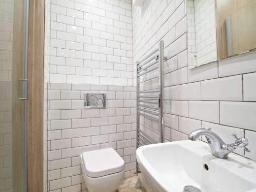 1 Booth Avenue 7 Bedroom Manchester Student House Bathroom 1
