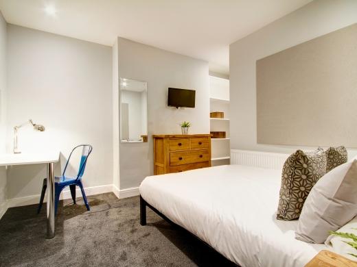 139 Hyde Park Road 6 Bedroom Leeds Student House bedroom 7