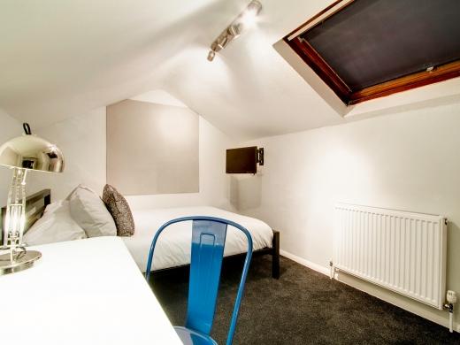 139 Hyde Park Road 6 Bedroom Leeds Student House bedroom 2