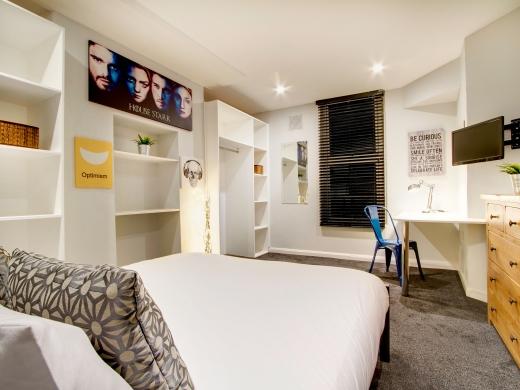 139 Hyde Park Road 6 Bedroom Leeds Student House bedroom 10