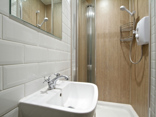 131 Hyde Park Road 9 Bedroom Leeds Student House bathroom 3