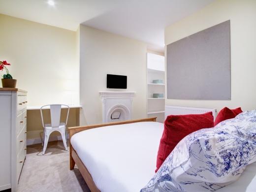 145 Hyde Park Road 6 Bedroom Leeds Student House bedroom 3