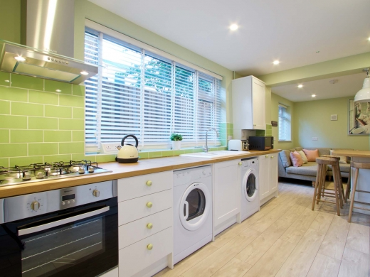 30 Newstead Grove 6 Bedroom Nottingham Student House Kitchen