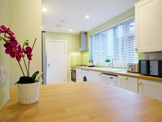 30 Newstead Grove 6 Bedroom Nottingham Student House Kitchen 3