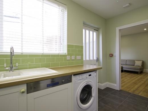 5 Newstead Grove 5 Bedroom Nottingham Student House Kitchen 1