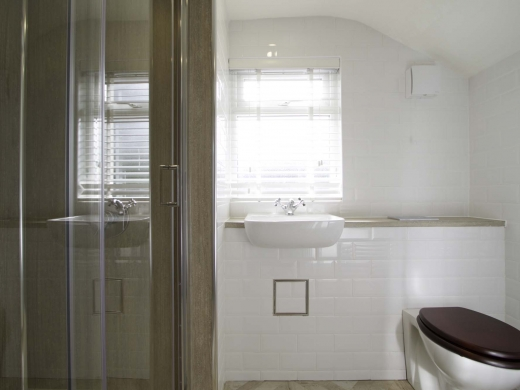 5 Newstead Grove 5 Bedroom Nottingham Student House Bathroom 1