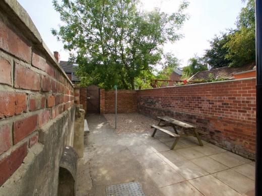 7 Newstead Grove 5 Bedroom Nottingham Student House Garden