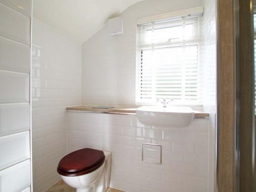 7 Newstead Grove 5 Bedroom Nottingham Student House Bathroom
