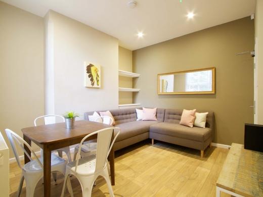 8 Forest Grove Nottingham Student House Living Room