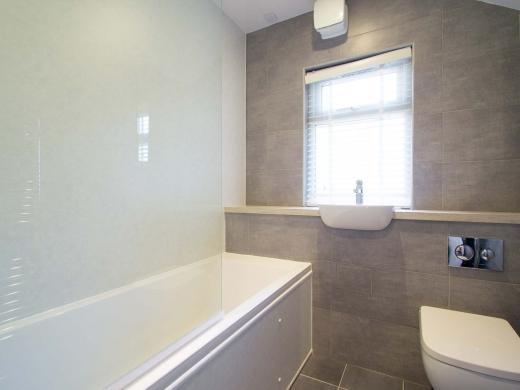 8 Forest Grove Nottingham Student House Bathoom 1