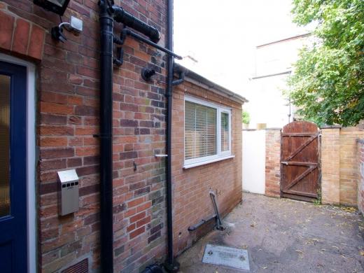 8 Forest Grove Nottingham Student House Garden
