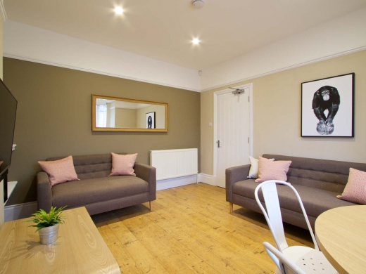 36 Portland Road 5 Bedroom Nottingham Student House Living Room 1