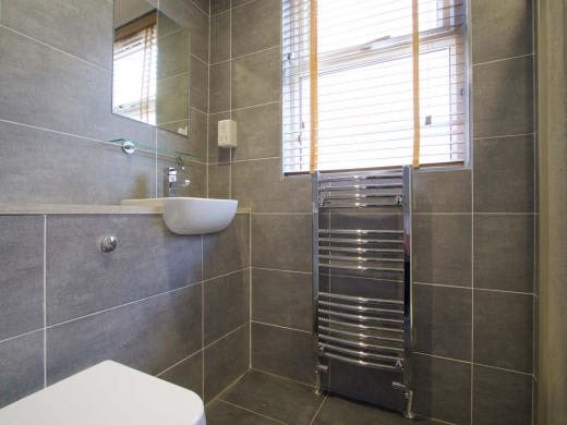 10 Brudenell Mount 7 Bedroom Leeds Student House Bathroom