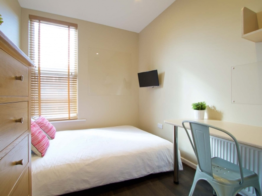10 Brudenell Mount 7 Bedroom Leeds Student House Bedroom 5