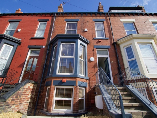 10 Brudenell Mount 7 Bedroom Leeds Student House Front of House