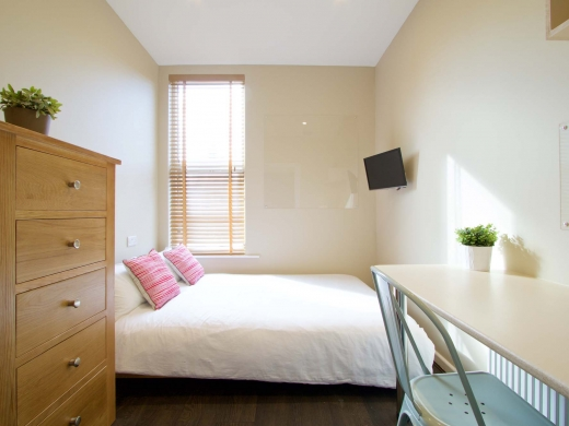 10 Brudenell Mount 7 Bedroom Leeds Student House Bedroom 4