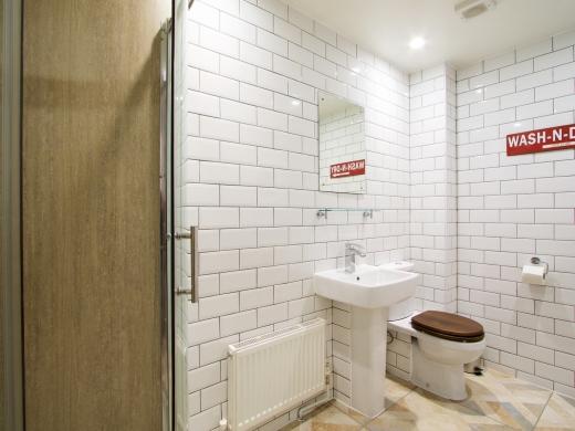53 Brudenell Mount Leeds Student House Bathroom 1