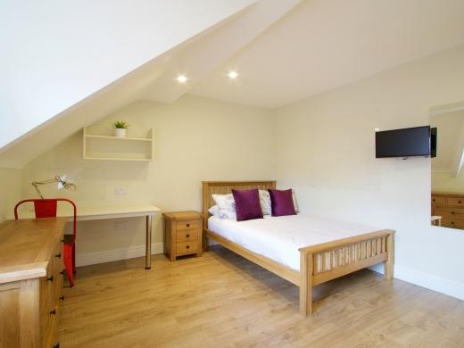 53 Brudenell Mount Leeds Student House Bedroom 2