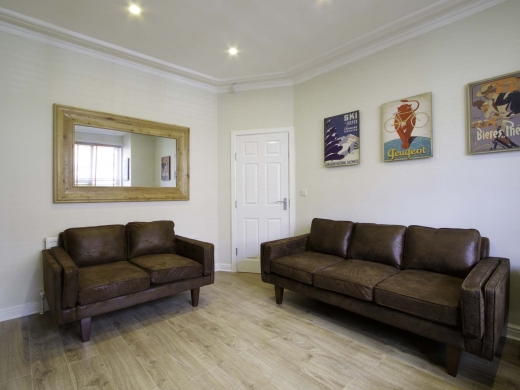 13 Hessle Terrace 6 Bedroom Leeds Student House Living Room 2