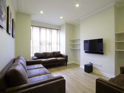 13 Hessle Terrace 6 Bedroom Leeds Student House Living Room 1