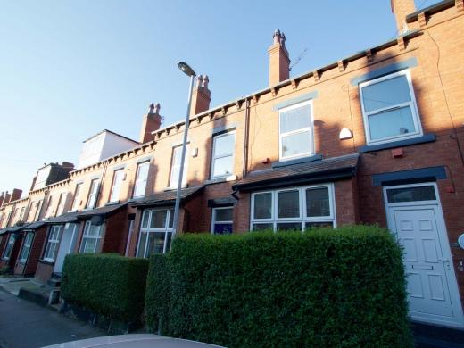 25 Hessle Terrace Leeds Student House Front Door