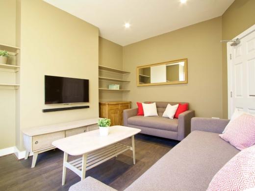 25 Hessle Terrace Leeds Student House Living Room