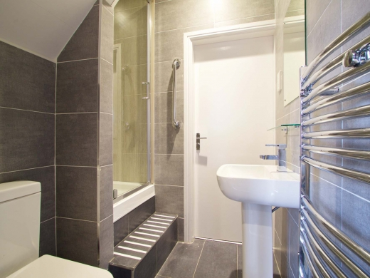 35 Hessle View Street Leeds Student House Bathroom 2