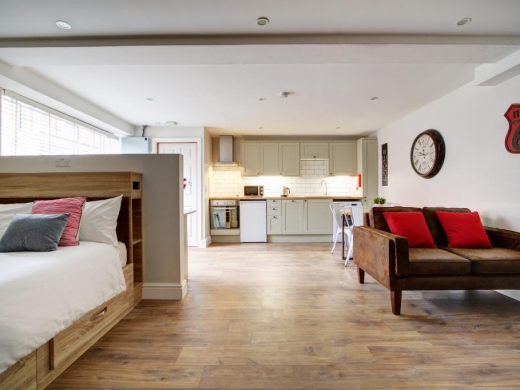 Flat APark View Studio Nottingham Student House Bedroom 1