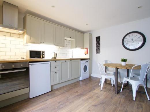 Flat APark View Studio Nottingham Student House Kitchen