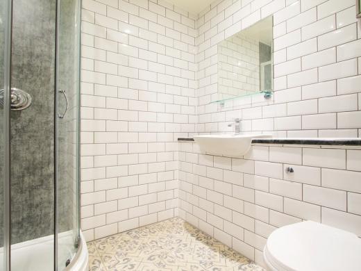 Flat H Park View 7 Bedroom Nottingham Student House Bathroom 1