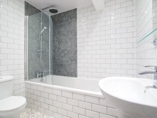 Flat B Park View 3 Bedroom Nottingham Student House Bathroom 2