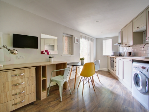 Flat K Park View Peel Street Nottingham Student House Kitchen and Dining Room