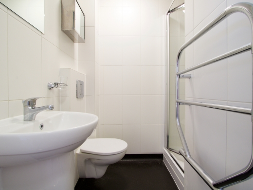 2 Tannery 49 Well Street Exeter 5 Bedroom Student House Bathroom 4