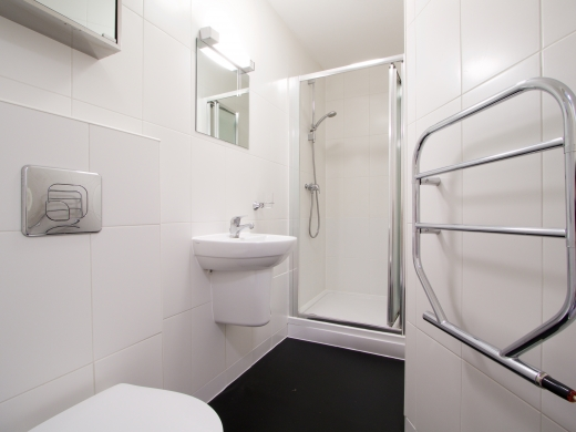 2 Tannery 49 Well Street Exeter 5 Bedroom Student House Bathroom 5