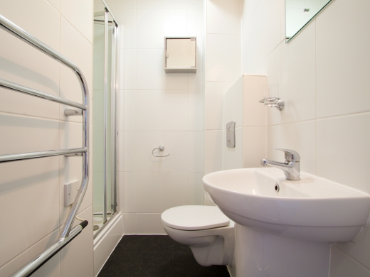 2 Tannery 49 Well Street Exeter 5 Bedroom Student House Bathroom 2