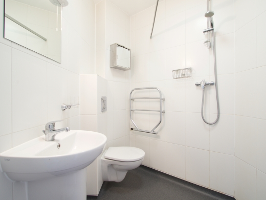 3 Tannery 49 Well Street Exeter 5 Bedroom Student House Bathroom 2