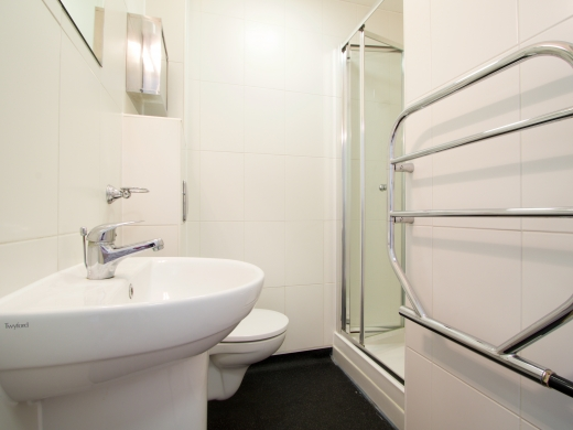 4 Tannery 49 Well Street Exeter 5 Bedroom Student House Bathroom 3