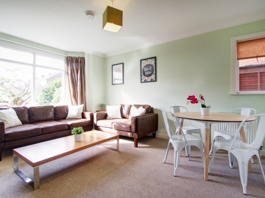 4 Union Road, Exeter, Student House, Living room, Angle 1