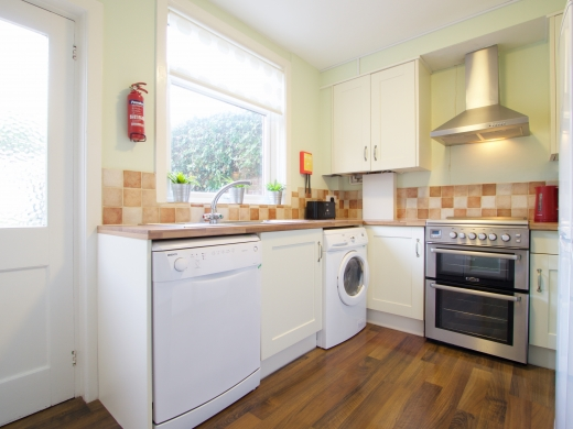 4 Union Road, Exeter, Student House, Kitchen, Angle 1