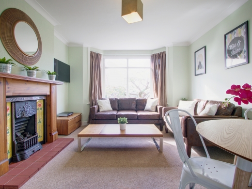 4 Union Road, Exeter, Student House, Living room, Angle 2