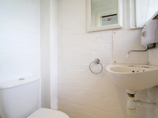 42 Union Road, Exeter, Student House, Bathroom