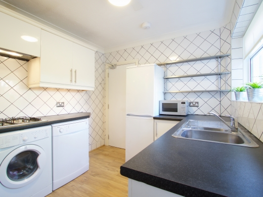 42 Union Road, Exeter, Student House, Kitchen, Angle 2