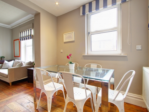 17 Pennsylvania Road Exeter 6 Bedroom Student House Living Room