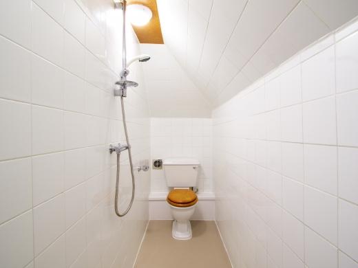 17 Pennsylvania Road Exeter 6 Bedroom Student House Bathroom 1