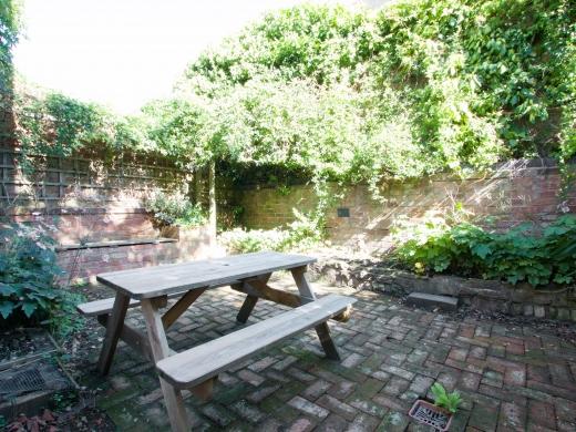 4 Seely Road, Nottingham, Student House, Garden