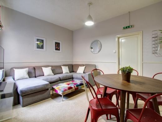 37 Grove Road, Nottingham, Student House, Living room, Angle 3