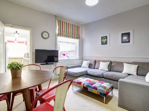 37 Grove Road, Nottingham, Student House, Living Room, Angle 1