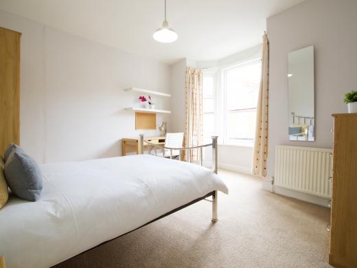 37 Grove Road, Nottingham, Student House, Bedroom